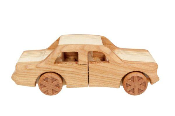 """Samochód z drewna """"Fiat 125p"""""""
