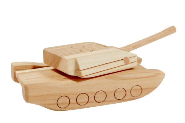 """Czołg z drewna """"Abrams"""""""