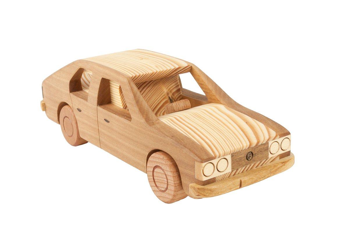 """Samochód zdrewna """"FSO Polonez"""""""