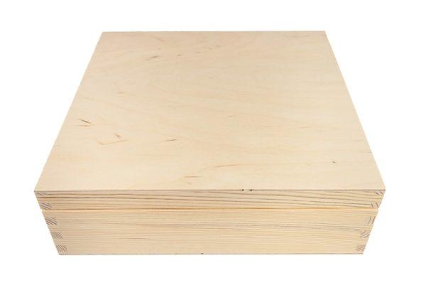 Drewniana skrzynka herbaciarka