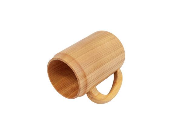 Kubek z drewna