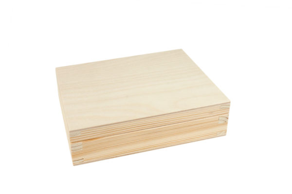 Drewniane pudełko na karty