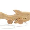 Drewniany rekin na sznurku