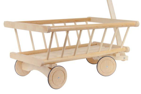 Duży solidny wózek z drewna