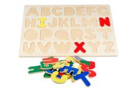 Drewniana układanka alfabet