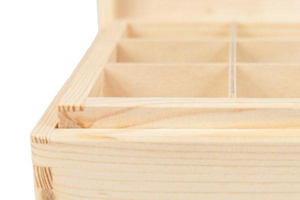 Skrzynka z drewna z sorterem