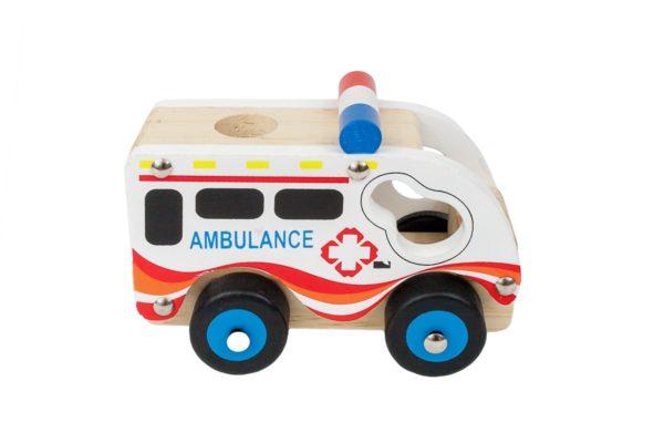 Autko z drewna - ambulans