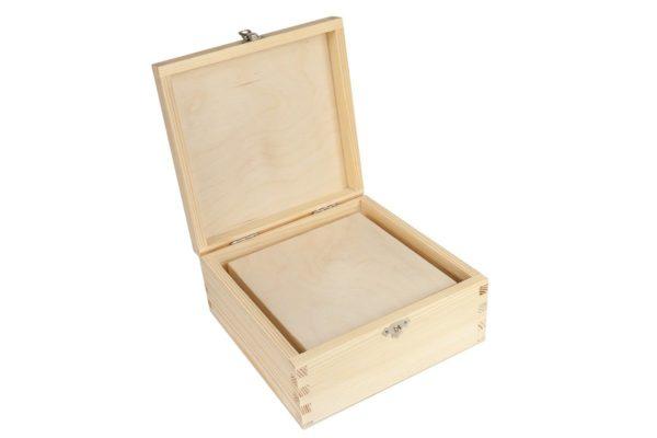 Zestaw dwóch drewnianych pudełek