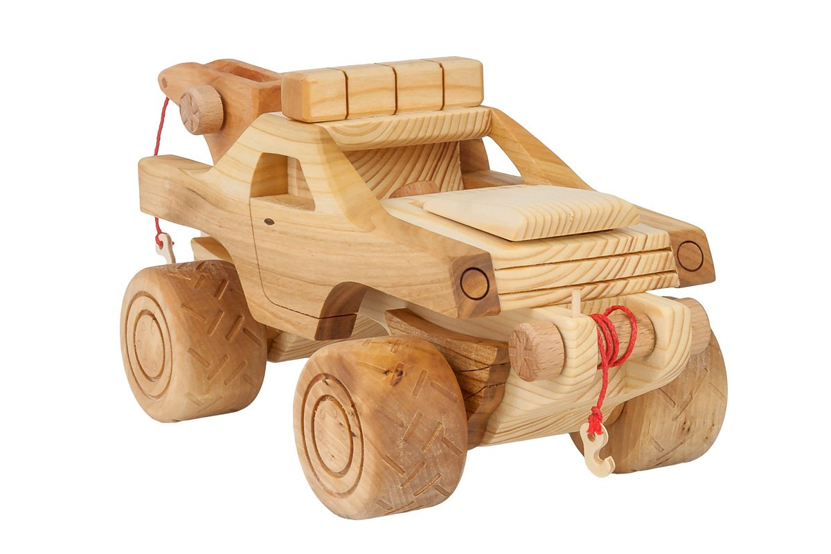 "Samochód ""Monster truck"" zdrewna"