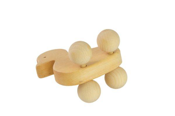 Drewniana figurka kaczuszki