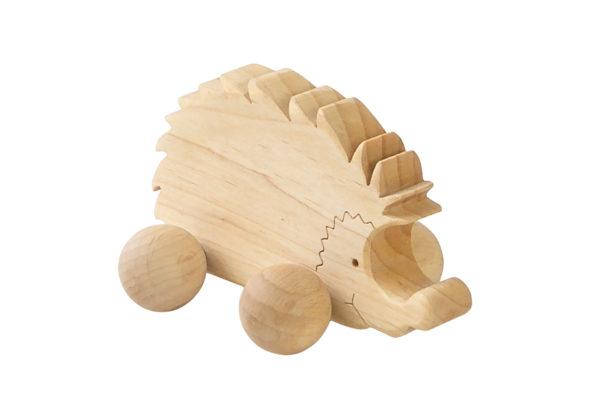Drewniana figurka jeża