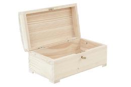Duża, drewniana szkatułka zamykana na kluczyk