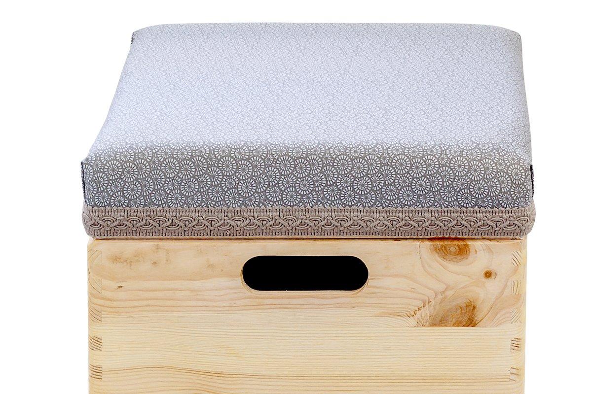 Pufa, drewniana skrzynia zsiedziskiem