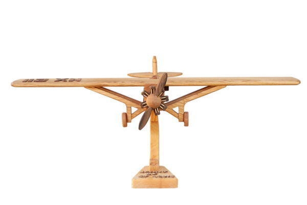 "Duży model samolotu ""Spirit of St. Louis"""