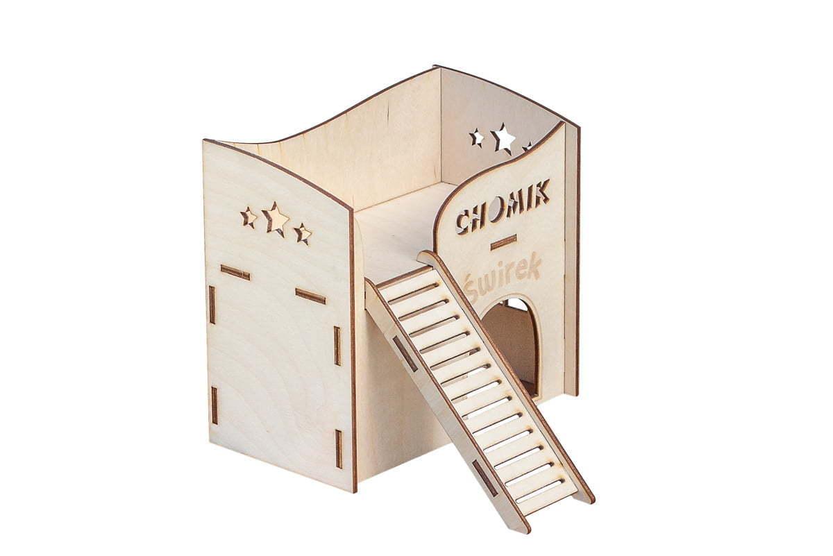 Drewniany domek dla chomika - zgrawerem