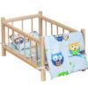 Drewniane łóżeczko dla lalek z pościelą