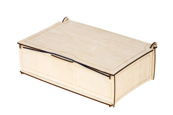 Ozdobny kuferek, zamykane pudełko z drewna